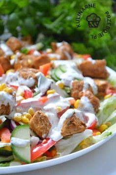Sałatka kebabowa - KulinarnePrzeboje.pl Healthy Meats, Healthy Salad Recipes, Imitation Crab Salad, Salad Dishes, Party Food And Drinks, Kraut, Food Design, Chicken Recipes, Good Food