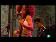 "Esperanza Spalding - ""I Know You Know / Smile Like That"" (Live in San Sebastian july 23, 2009 - 3/9)"