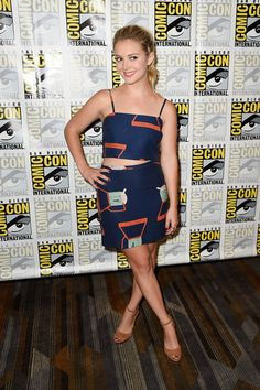 "Billie Lourd Photos Photos - Actress Billie Lourd attends the ""Scream Queens"" press line during Comic-Con International at Hilton Bayfront on July 22, 2016 in San Diego, California. - Comic-Con International 2016 - 'Scream Queens' Press Line"