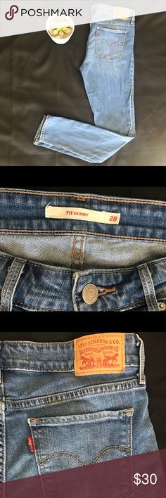 Levi 711Skinny Jeans size 28 Perfect condition, practically new Levi Skinny jeans size 28. Levi's Jeans Skinny