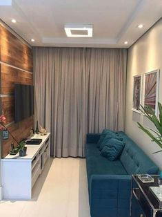Home Decoration For Small House Living Pequeños, Living Room Green, Small Living Rooms, Home Living Room, Living Room Decor, Bedroom Decor, Small Apartment Bedrooms, Small Apartments, Interior Design Living Room