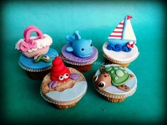 Summer themed cupcakes. These are so cute. These would be fun to make for a summer birthday.