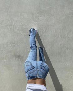 Altering Jeans, Light Blue Jeans, Staple Pieces, Pocket Detail, Vintage Denim, Denim Jeans, Sporty, Stylish, Model