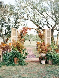 Where do we even start with a wedding as amazing as this Bohemian Texas wedding? Get ready to be amazed! Photos by Taylor Lord Photography.