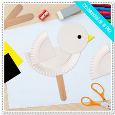 ¡El 21 de septiembre se celebra el Día Mundial de la Paz! Elabora con tus… Paper Plate Crafts, Paper Plates, Art For Kids, Crafts For Kids, Arts And Crafts, Senior Activities, Activities For Kids, Bible Crafts, Letter B