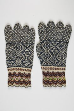 Mittens from Kihnu island, Estonia