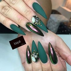 Matte Emerald Green Nails ❤️ Elegant Emerald Green Nails Designs For You❤️ See more: https://naildesignsjournal.com/emerald-green-nails-designs/ #naildesignsjournal #nails #nailart #naildesigns #emeraldgreennails #glitter nails