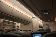 Cathay Pacific Airbus A350 Kabine in der Economy Class. #cathaypacific #economyclass #review #airbus #airbusa350 #travel #travelling #review #reiseblogger #hongkong #airplane