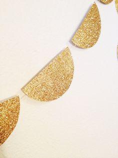 Gold Glitter Scallop Garland New Years