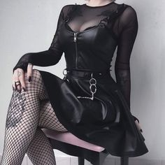 Top Gothic Fashion Tips To Keep You In Style. As trends change, and you age, be willing to alter your style so that you can always look your best. Consistently using good gothic fashion sense can help Gothic Outfits, Edgy Outfits, Mode Outfits, Grunge Outfits, Girl Outfits, Fashion Outfits, Womens Fashion, Fashion Clothes, Fashion Ideas