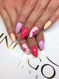 by Emilia Maria, Follow us on Pinterest. Find more inspiration at www.indigo-nails.com #pink #nailart #nails #flower