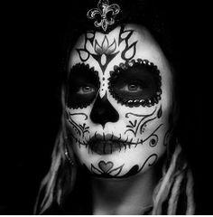 Hope Shots Photography Artist Unique Irish Model Liz H. Sugar Skull Face Paint, Sugar Skull Makeup, Day Of The Dead Girl, Day Of The Dead Skull, Mexican Sugar Skulls, Face Tats, Dead Pictures, Gothic, Dead Makeup