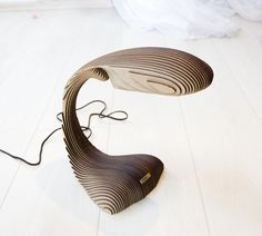 LED lamp made ​​of plywood Embryo by David Bayramyan (of met laagjes werken? Laser Cut Lamps, Laser Cut Wood, Laser Cutting, Design Light, Lighting Design, Laser Co2, Plywood Design, I Love Lamp, Digital Fabrication