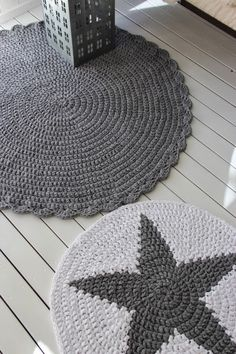 Yarn Projects, Crochet Projects, Chrochet, Knit Crochet, T Shirt Yarn, 3 Things, Retro, Floor Rugs, Color Inspiration