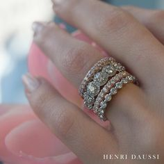 I LOVE the halo wedding band! #henridaussi