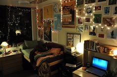 artistic dorm room | CMC Cribs: Behind Closed Dorms « Forum | The Official Student ...