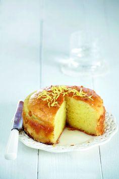 Γιαουρτόπιτα | tovima.gr Greek Cake, Greek Pastries, Greek Sweets, Greek Dishes, Weird Food, Cookie Desserts, Greek Recipes, Food To Make, Cupcake Cakes