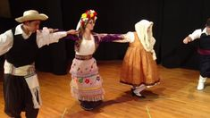 How to Dance the Hasapikos (Hasapiko) Greek Dancing, Dance Lessons, Learn To Dance, Lets Dance, Religion, Traditional, Greece, Entertainment, Musik