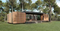 MultipodStudion, un cabinet de designers et d'architectes français a élaboré un projet qu'il a baptiséPop-UpHouse.Le but de ce projet est de construire des maisons passives ultra-isolées, recyclables, et pas chères en seulement quatre jours pour 38 000 euros sur une surface de 150m². Une maison bâtie avec des matières premières(polystyrène expansé et lelamibois)sur desmicropieuxet une dalle de béton.Sa construction se déroule de la même manière qu'une maisonLegoet elle peut…