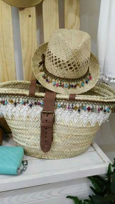 Sombreros   Supernatural Style Boot Jewelry, Basket Bag, Beach Basket, Boho Hat, Ibiza Fashion, Summer Bags, Handmade Bags, Wicker Baskets, Diy Clothes