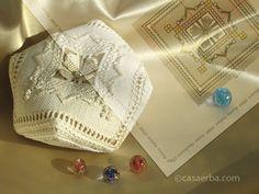 CasaERBA free biscornu pattern - lovely.