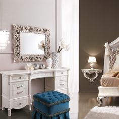 Are you looking for a small or large dressing table? The large ones can be fitted in the bedroom or in the bigger room at your home. Bring autumn indoors this season matching the room designs and texture.