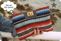 cafecondiy: Diy: como hacer un clutch étnic Diy Clutch, Diy Purse, Cluch Bag, Embroidery Purse, Diy Wallet, Diy Handbag, Fabric Bags, Handmade Bags, Diy Fashion