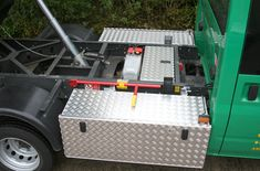 Aluminium Chassis Boxes fitted at both sides of the chassis witha secret box in the middle at sits under the tipper when in transit.
