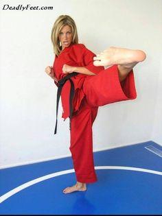 Female Martial Artists, Martial Arts Women, Karate Girl, Women's Feet, Jiu Jitsu, Kicks, Sports, People, Exercise