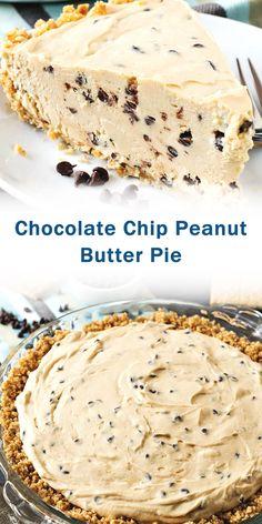 More graham cracker crust needed whipped cream in small bowl (pyrex) peanut butter mix in big bow (ceramic) Köstliche Desserts, Best Dessert Recipes, Desert Recipes, Delicious Desserts, Yummy Treats, Sweet Treats, Oreo, Peanut Butter Recipes, Peanut Butter Chocolate Pie