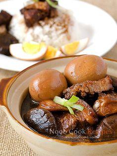 Tau Yu Bak (Braised Pork in Soy) by wiffygal, via Flickr
