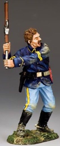 Custer's Last Stand TRW024 Trooper Swinging Carbine - Made by King and Country Military Miniatures and Models. Factory made, hand assembled, painted and boxed in a padded decorative box. Excellent gift for the enthusiast.
