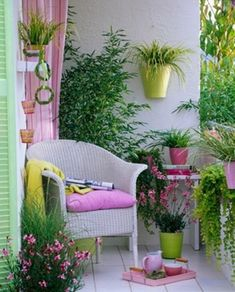 home balcony design idea home balkon design idee Narrow Balcony, Tiny Balcony, Porch And Balcony, Outdoor Balcony, Balcony Garden, Outdoor Rooms, Outdoor Gardens, Outdoor Living, Outdoor Furniture Sets