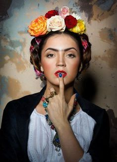 My World of Colours Flower Headdress, Floral Headpiece, Mexican Fashion, Mexican Style, Mexican Hairstyles, Russian Beauty, Mexican Dresses, Model Face, World Of Color