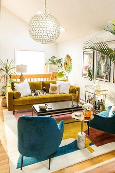 Home Interior Velas The Best Article Couches and Sofas.Home Interior Velas The Best Article Couches and Sofas Colourful Living Room, Boho Living Room, Living Room Sofa, Living Room Decor, Bedroom Decor, Dining Room, Home Decor Styles, Cheap Home Decor, Home Decor Accessories