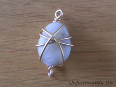 Tutorial: Wire-Wrapped Crystal Bracelet  how to wire wrap a loose stone for a bracelet