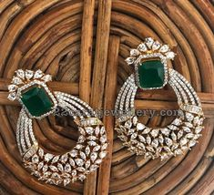 Diamonte Earring, diamond and emerald earrings - Diamond Jewelry Diamond Earrings Indian, Indian Jewelry Earrings, Fancy Jewellery, Diamond Earing, Jewelry Design Earrings, Gold Earrings Designs, Emerald Earrings, Gold Jewellery Design, Ear Jewelry