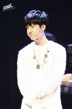 Hanbin @ iKON fan meeting in China ❤ | Why, oh why?? Why you have to make that face??!