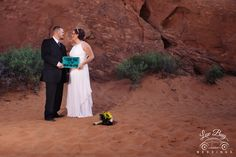 Such vivid red rock #valleyoffirewedding #desertwedding #lasvegaswedding #lasvegasweddingphotographer #luvbugwedding