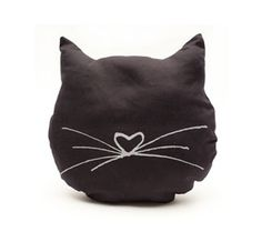 Love Black Cats? 15 Quick And Cute DIY Ideas For Black Cat Lovers | Petslady.com