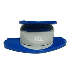 Furador Artesanal Alavanca Toke e Crie - Borda Contínua Indicado para papéis de 75g a 160g. EVA, massa para biscuit e folhas de decalque para procelana. Atenção: Para maior maciez e durabilidade, este furador contém vaselina líquida. Medida Máxima dos Desenhos: 40mm Fabricante: Toke e Crie