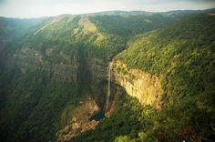 Nature - Waterfalls -  Cataratas de NOHKALIKAI -  INDIA.