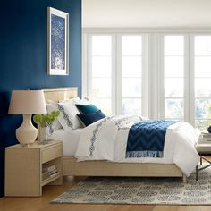 http://www.williams-sonoma.com/products/meade-bed-with-footboard/?pkey=cbeds-headboards