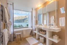 Hotels With the Best Views from the Bathroom: Matakauri Lodge, New Zealand