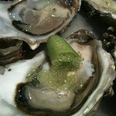 Ostras Con Caviar Citrico #verde @ La Taberna del Gourmet // #Forkly