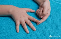 12 Trigger Finger Exercises To Relieve Finger Pain – PkFunda Trigger Finger Exercises, Finger Stretches, Hand Exercises For Arthritis, Lower Back Exercises, Learn Yoga, Finger Joint, Big Muscles, Knee Pain, Health And Beauty Tips
