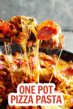 This One Pot Pizza Pasta will become a family favorite dinner!  It's quick and easy to make and full of flavor! Plus, customize it and use whatever pizza toppings you like! #pizzapasta #easydinnerrecipes Pizza Recipes Homemade Dough, Best Homemade Pizza, Quick Easy Meals, Easy Dinner Recipes, Dinner Ideas, Pork Recipes, Pasta Recipes, Rice Recipes, Cooking Recipes