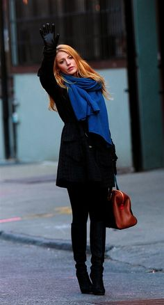 Hailing a taxi in a blue scarf! I miss New York...