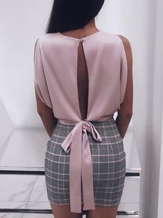 2019 Spring Women Fashion Alluring Elegant Party Shirt Female Sleeveless Solid Slit Knotted Back Casual Blouse Moda Outfits, Dress Outfits, Fashion Outfits, Fashion Clothes, Casual Outfits, Trend Fashion, Look Fashion, Womens Fashion, Ladies Fashion