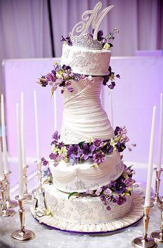 Garden City Hotel custom wedding cake.